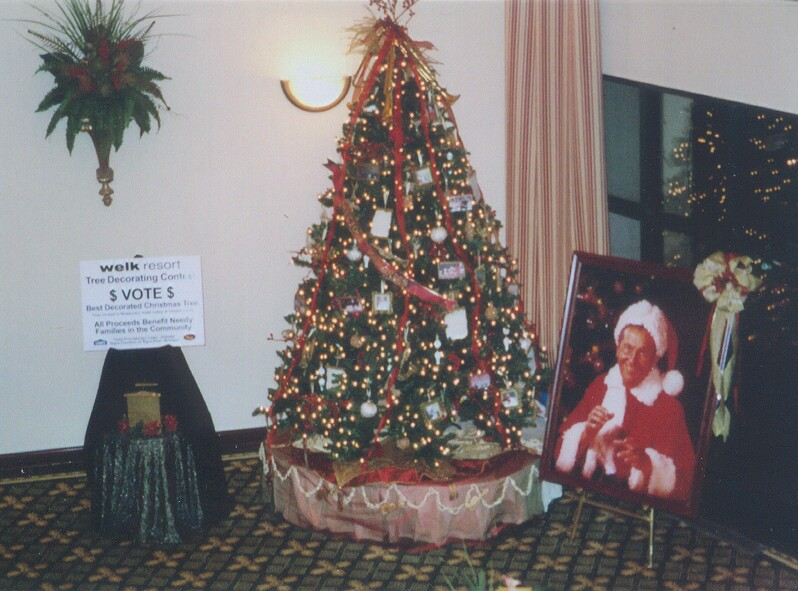 a tree decorating contest was held by the resort employees to raise money for needy families in the branson community there were 3 trees that you could - When Does Branson Mo Decorate For Christmas
